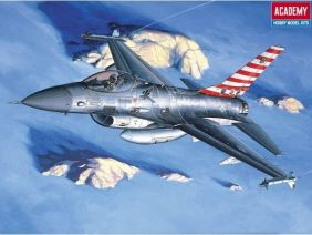 1/48 USAF F-16A/C FALCON FIGHT