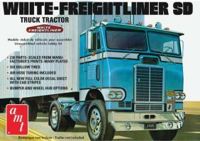 1/25 WHITE-FREIGHTLINER SD TRA