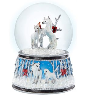breyer_2020-holiday-enchanted-forest-musical-snow-globe_01.jpg