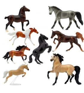 breyer_stablemates-deluxe-horse-collection_01.jpg