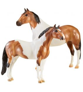 breyer_traditiona-gangsters-tony-da-pony-bugsy-malone_01.jpg