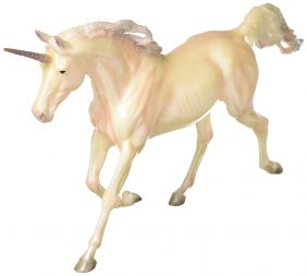 breyer_traditional-zena-2018-unicorn_01.jpg