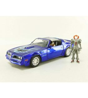 jada-toys_chevy-hollywood-rides-it-chaper-two-pontiac-firebird-pennywise_01.jpg