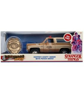 jada_stranger-things-hopper-80-chevy-blazer-badge_01.jpg