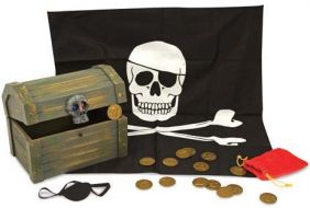 WOODEN PIRATE CHEST SET