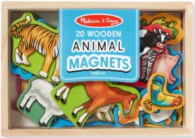 WOODEN ANIMAL MAGNETS IN A BOX