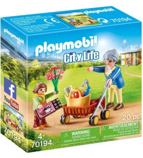 playmobil_city-life-grandmother-with-child_01.jpg