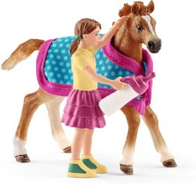 schleich_horse-club-foal-with-blanket_01.jpg