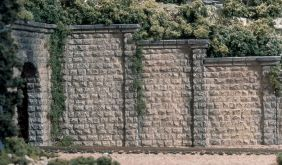 HO CUT STONE RETAINING WALLS